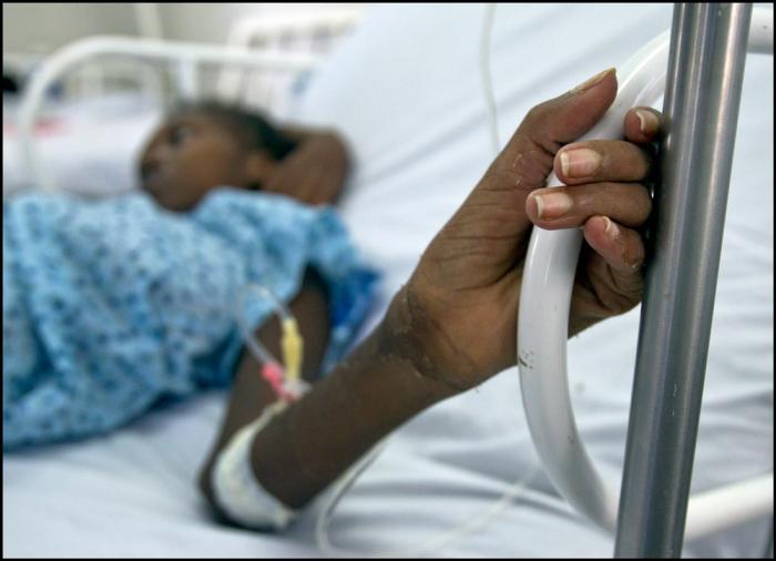 En ung kvinne har fått ødelagt livmoren etter en abort utført av ukyndige.