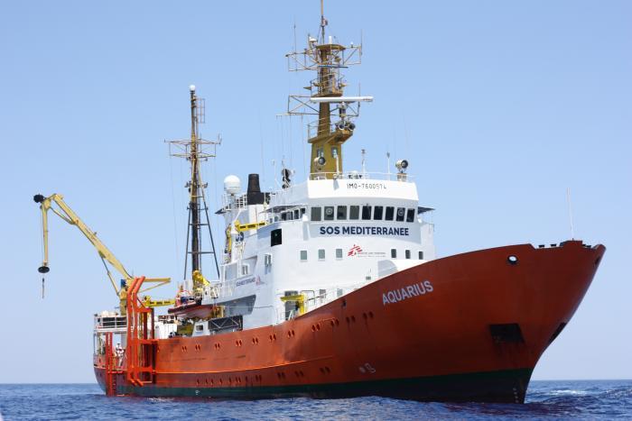 PANIKK: Libyske kystvakter skapte en farlig situasjon under en redningsaksjon i Middelhavet.