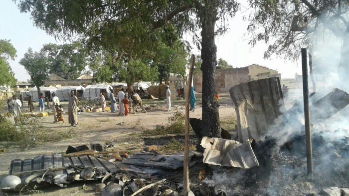 Leiren i Rann i Nigeria ble bombet mandag. Minst 120 mennesker er skadet og 52 mennesker er drept etter angrepet utført av den nigeranske hæren.  Foto: Leger Uten Grenser