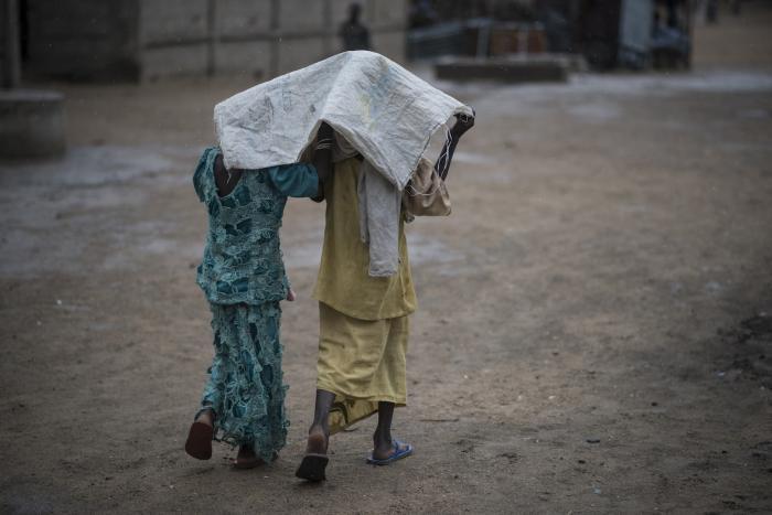 REGNSESONG: Flere områder i delstaten Borno blir ufremkommelige i regntiden. Foto: Sylvain Cherkaoui/Cosmos